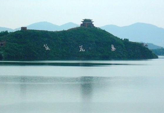 风景区位于湖北省松滋市西南部