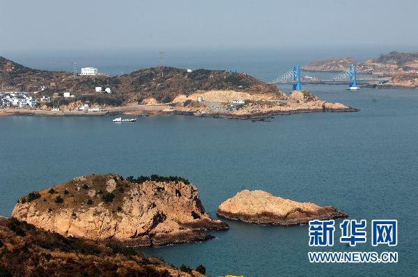 浙江舟山群岛新区是国务院批准的中国首个以海洋经济为主 题的国家